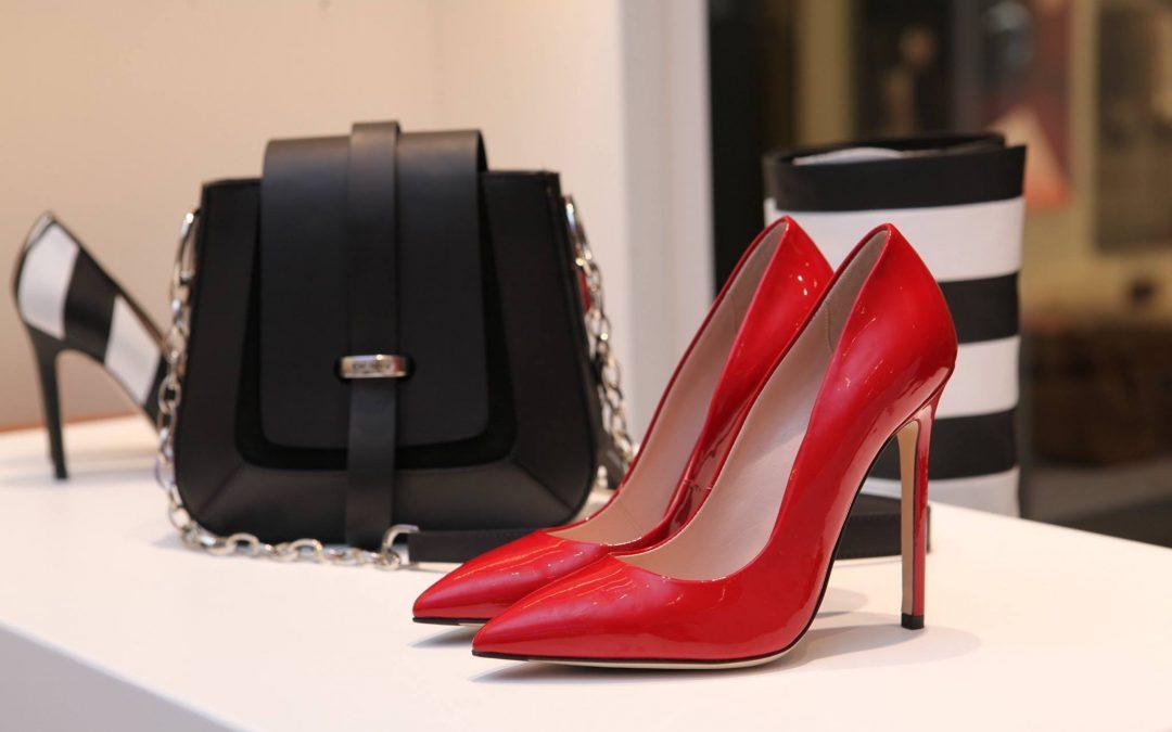 Pieles con laminado tendencia en calzado español